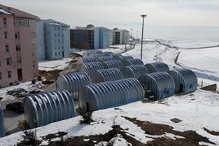 Wohncontainer bieten Platz für 800 Studenten. Foto: Israelisches Verteidigungsministerium