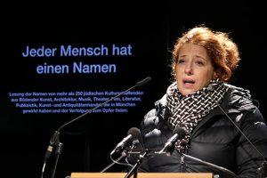 Ungewohnt ernst: die Kabarettistin Luise Kinseher © Marina Maisel