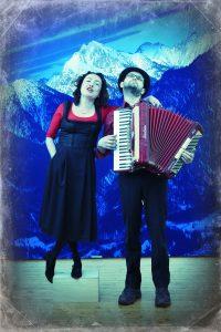 Das Alpen-Klezmer-Duo Andrea Pancur und Ilya Shneyveys © Foto: Werner Bauer